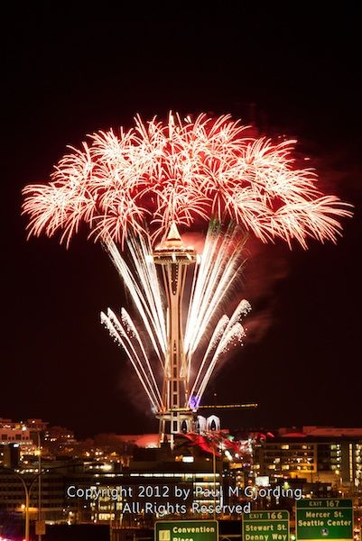 Space Needle Has The Best Fireworks For The New Year Best Fireworks New Year Fireworks Evergreen State