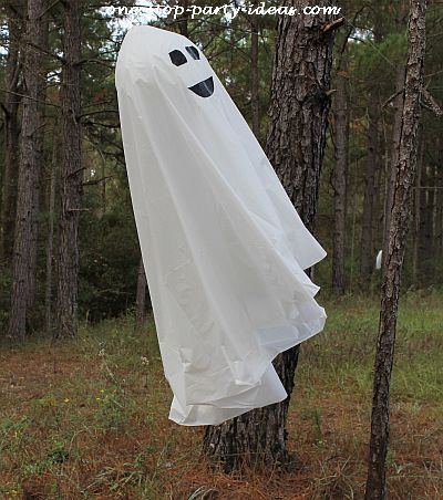 DIY Halloween ghost See more Halloween yard decorations and party