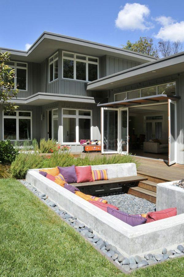 ihr haus design anders planen - gemütliche Lounge im Innenhof