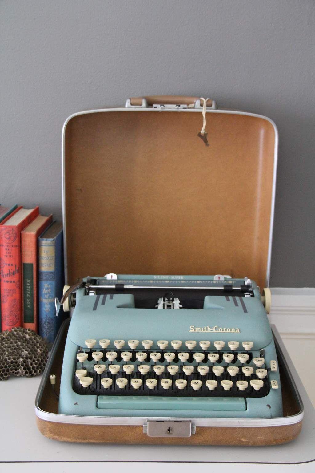 smith corona vintage typewriter miscellaneous pinterest machine crire vintage et. Black Bedroom Furniture Sets. Home Design Ideas