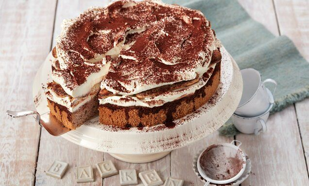 Tiramisu-Torte mit Löffelbiskuit