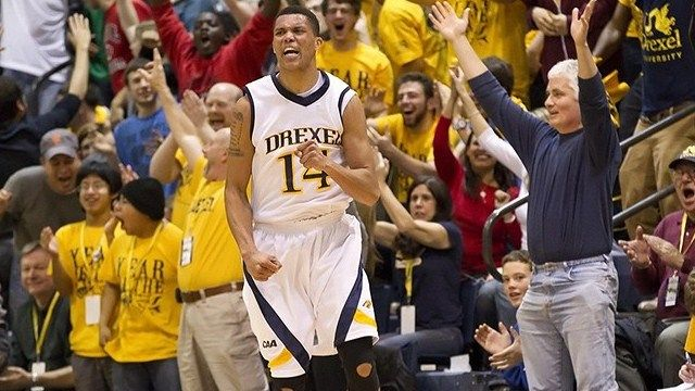 14 Damion Lee. Damion is a 66 Guard from Baltimore, Md