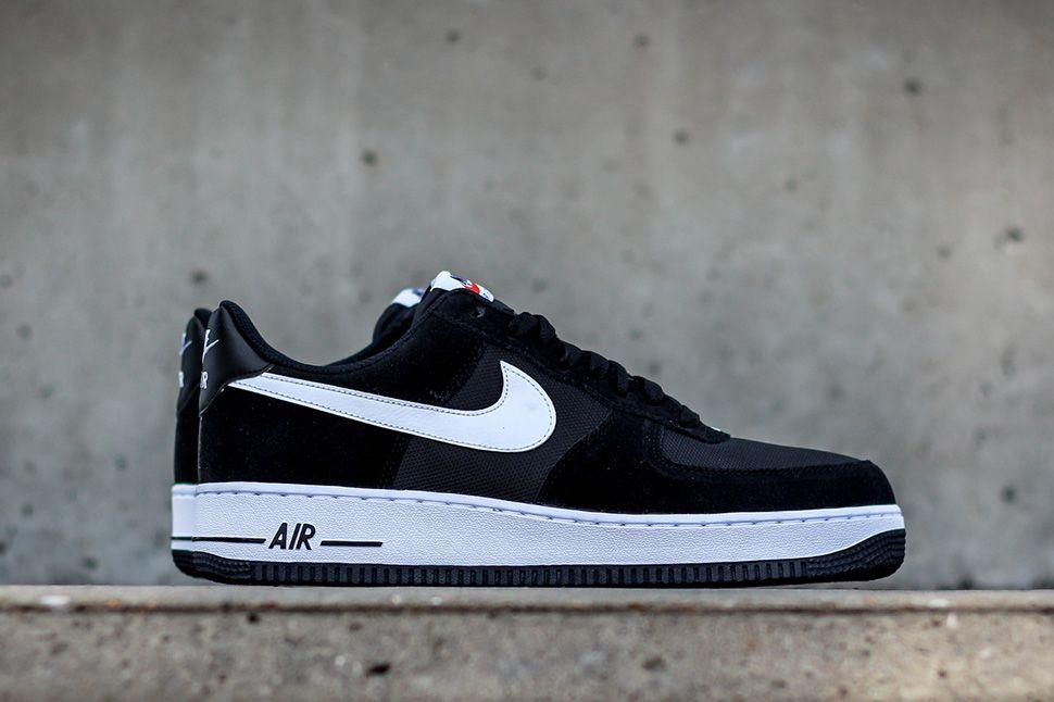 Nike Air Force 1 Femmes En Daim Noir Et Blanc Chaussures frais achats KICwg0jta
