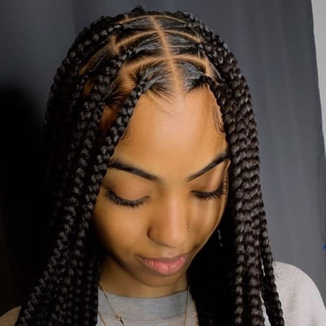 World Of Braiding Sur Instagram Inspiration Du Samedi Soignee Super Gentillesse Agtag Qu In 2020 Braids Hairstyles Pictures Braided Hairstyles Hair Styles