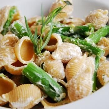 Lemon Basil Goat Cheese And Asparagus Pasta