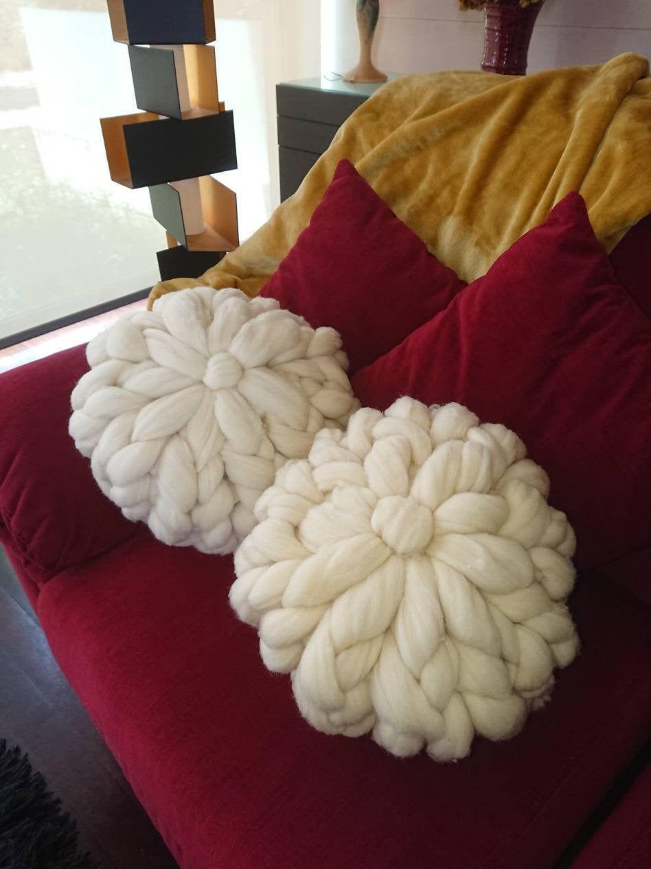 Knit Pillow 100% Merino Wool \ Decorative Pillow \ Round Pillow \ Luxury Pillow \ Decorative Pillow \ Organic Pillow \ Antibacterial