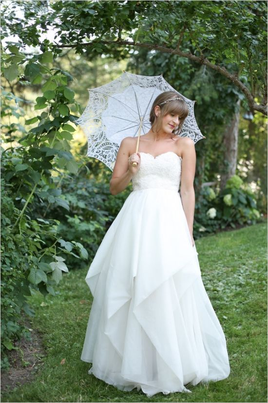 use an umbrella in your wedding photos