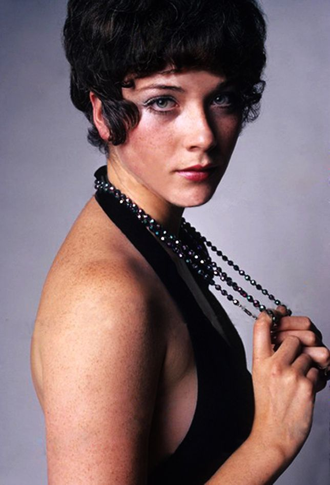 Linda Thorson Nude Photos 60