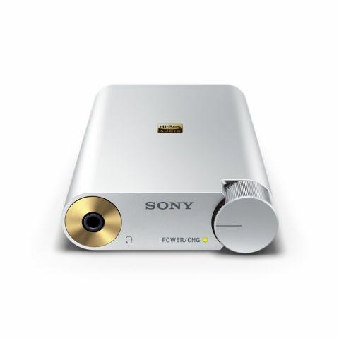 ハイレゾ対応ウォークマンをより高音質化できるデジタル接続のポータブルアンプがキター!