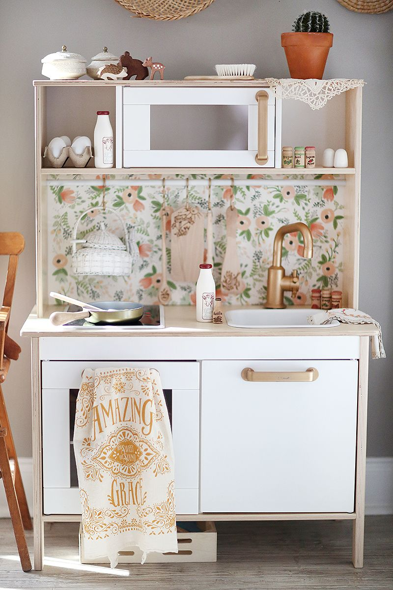 So many of you have asked for little pointers and how to for our ikea toy kitchen hack in an - Cuisinette ikea ...
