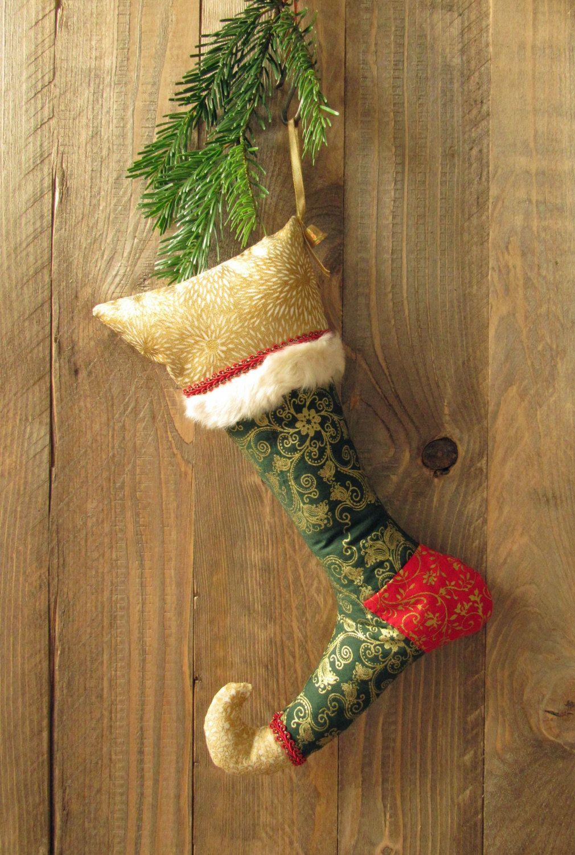 etsygifts weihnachtsstrumpf mit fellkante in gr n gold und rot mit glocke n hen pinterest. Black Bedroom Furniture Sets. Home Design Ideas