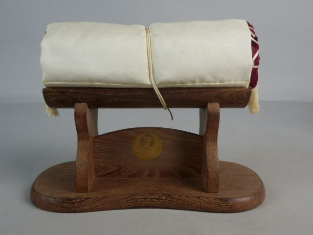 japanese antique kuwa wood geisha