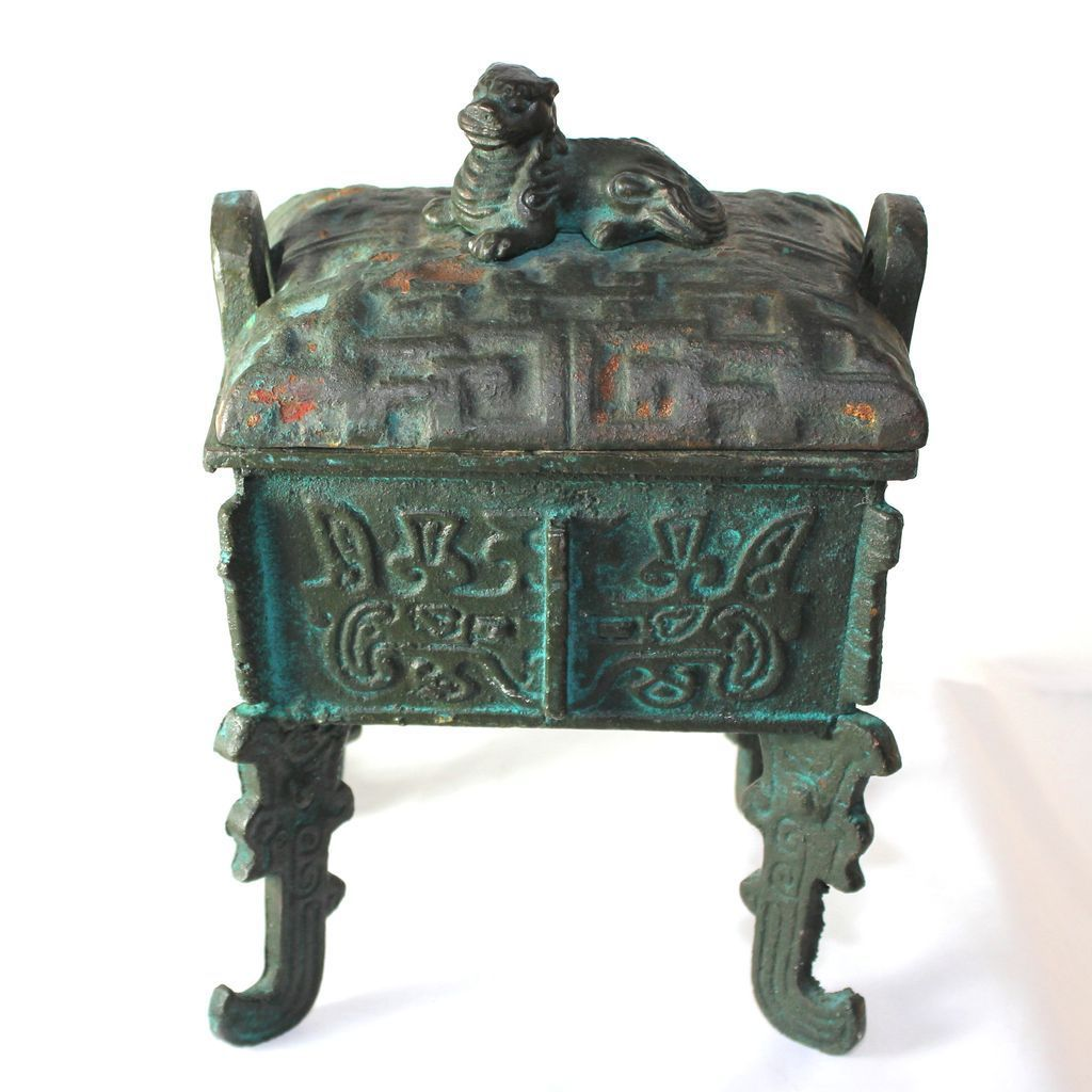 Antique chinese cast iron box with legs and foo dog lid