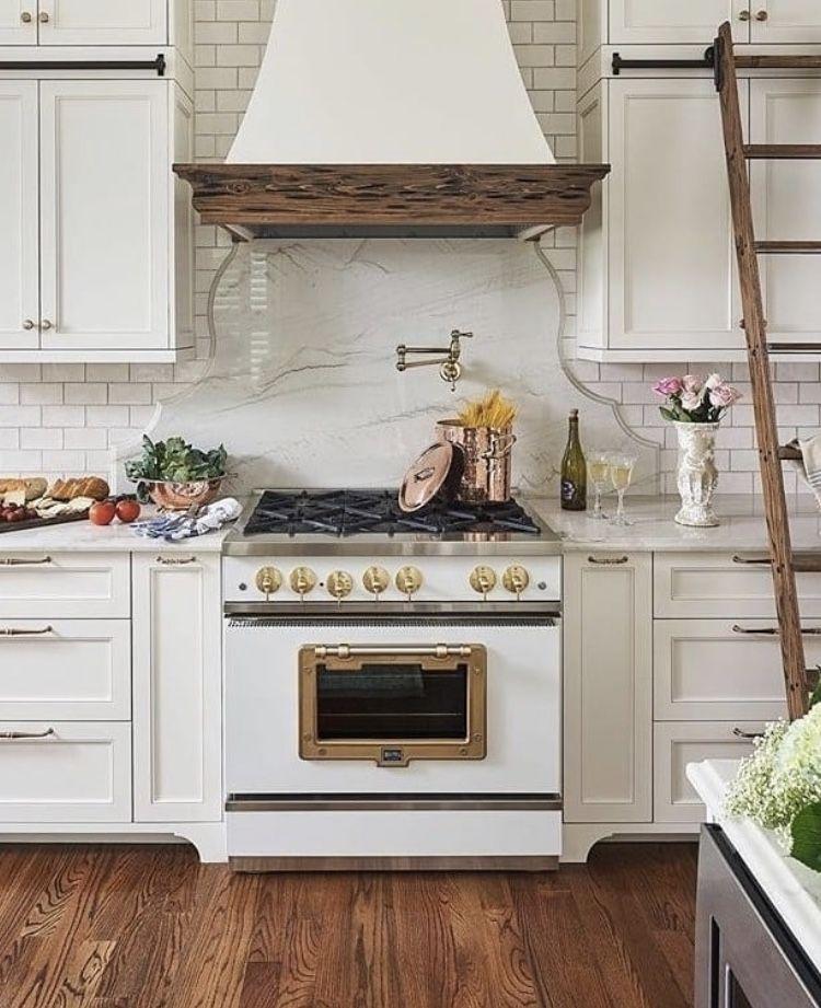 Download Wallpaper White Retro Kitchen Accessories