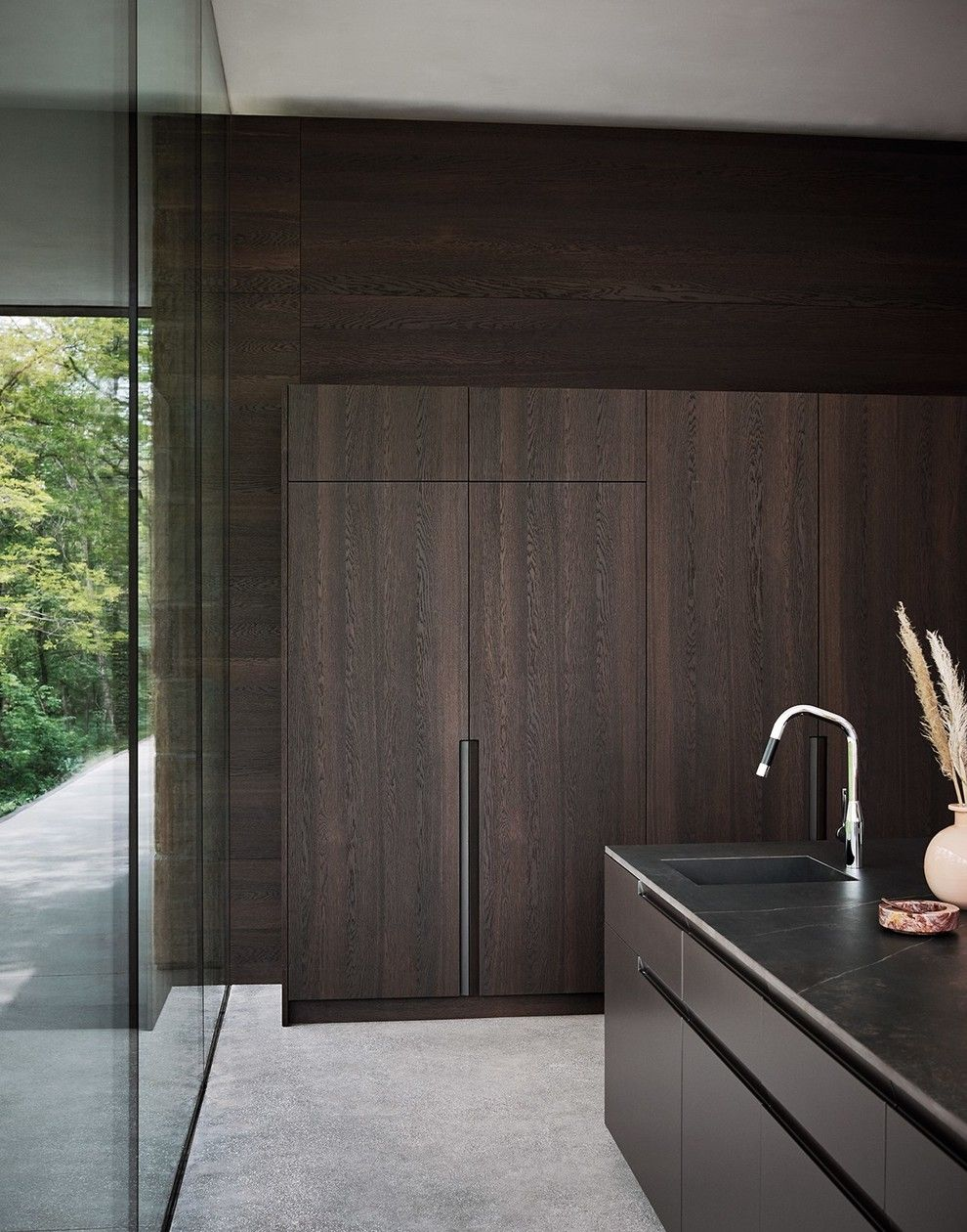 Oak fitted kitchen with island maxima composition by cesar