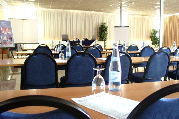 Meeting Rooms At Very Good Rates In Palma De Mallorca More Info In Www Mice Mallorca Com Congress Hotel Sala Mallorca