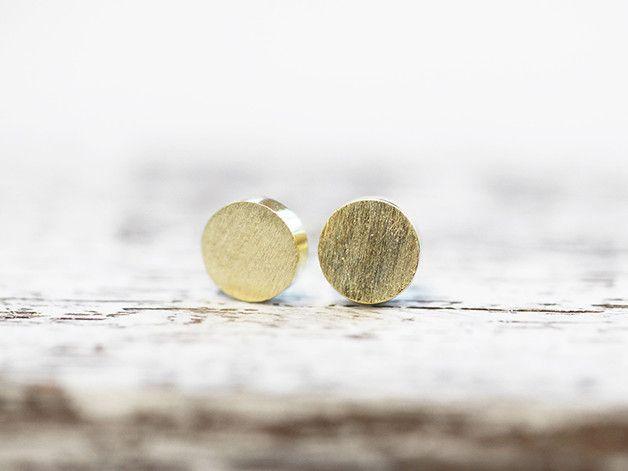 *NEU: Ab jetzt sind unsere Ohrstecker vergoldet*  Diese kleinen, filigranen Ohrstecker bestehen aus vergoldetem 925er Silber mit leicht strukturierter Oberfläche und sind federleicht zu tragen....
