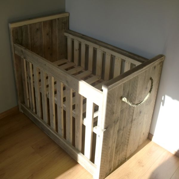 Baby ledikant   Good Night my love   Pinterest   Carpentry, Baby ...