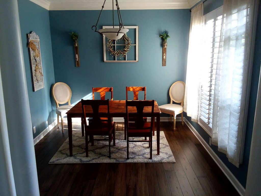 Distressed bamboo flooring in treehouse by cali bamboo sample in