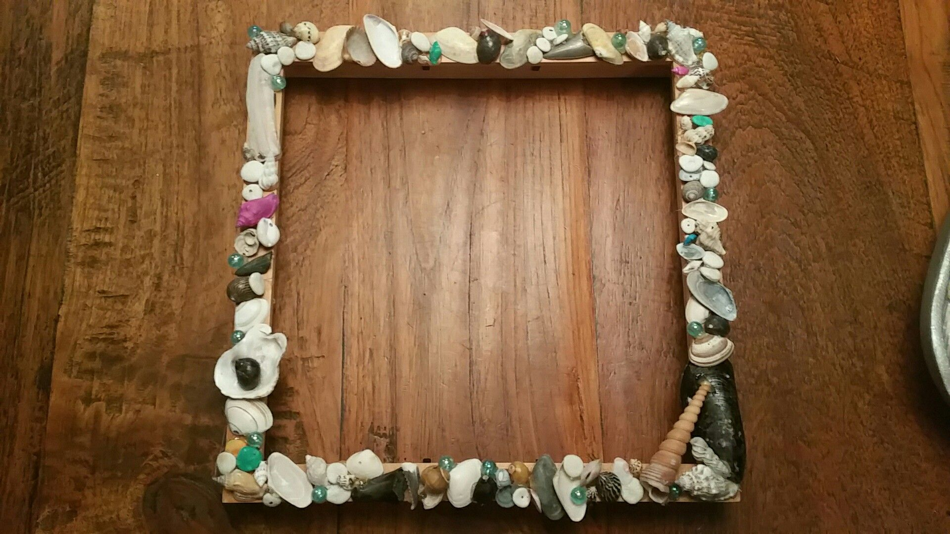 Photo frame. Present idear. With things I found on the beach