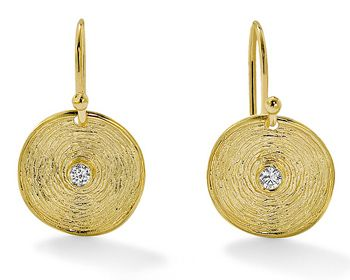 Kiklo earrings in yellow gold with diamond centre