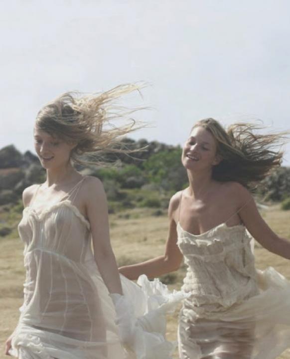 Friendship  Wedding Style Inspiration  LANE    Pinterest  Fotoshooting Frauenbilder und