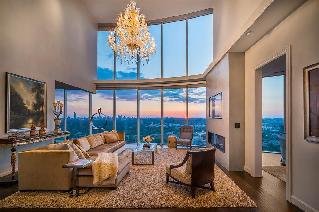 Home for sale at 3333 Allen Pkwy Unit 3201, Houston, TX