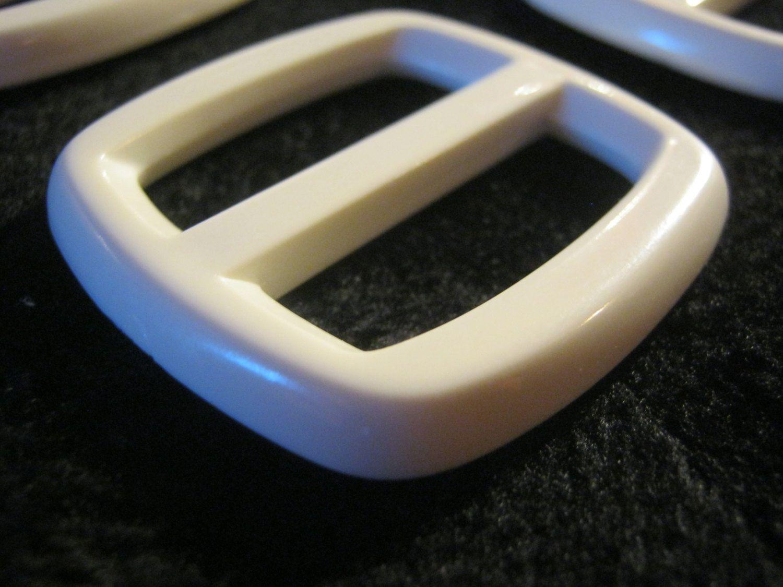 12 Stück Gürtelschnallen ohne Dorn,Weiß,ca.45/43 mm,Steg ca.33 mm,Neu,Lübecker Knopfmanufaktur von Knopfboutique auf Etsy