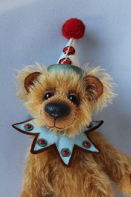 Mo the Handmade Clown Bear by Tanya Samotoshina (Самотошина Таня)