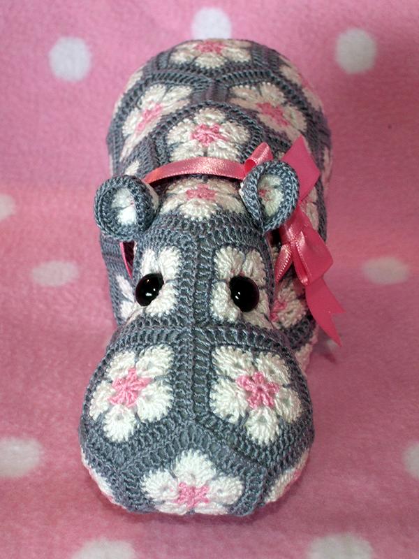 Hippo Amigurumi - Free Crochet Pattern - StringyDingDing | 800x600