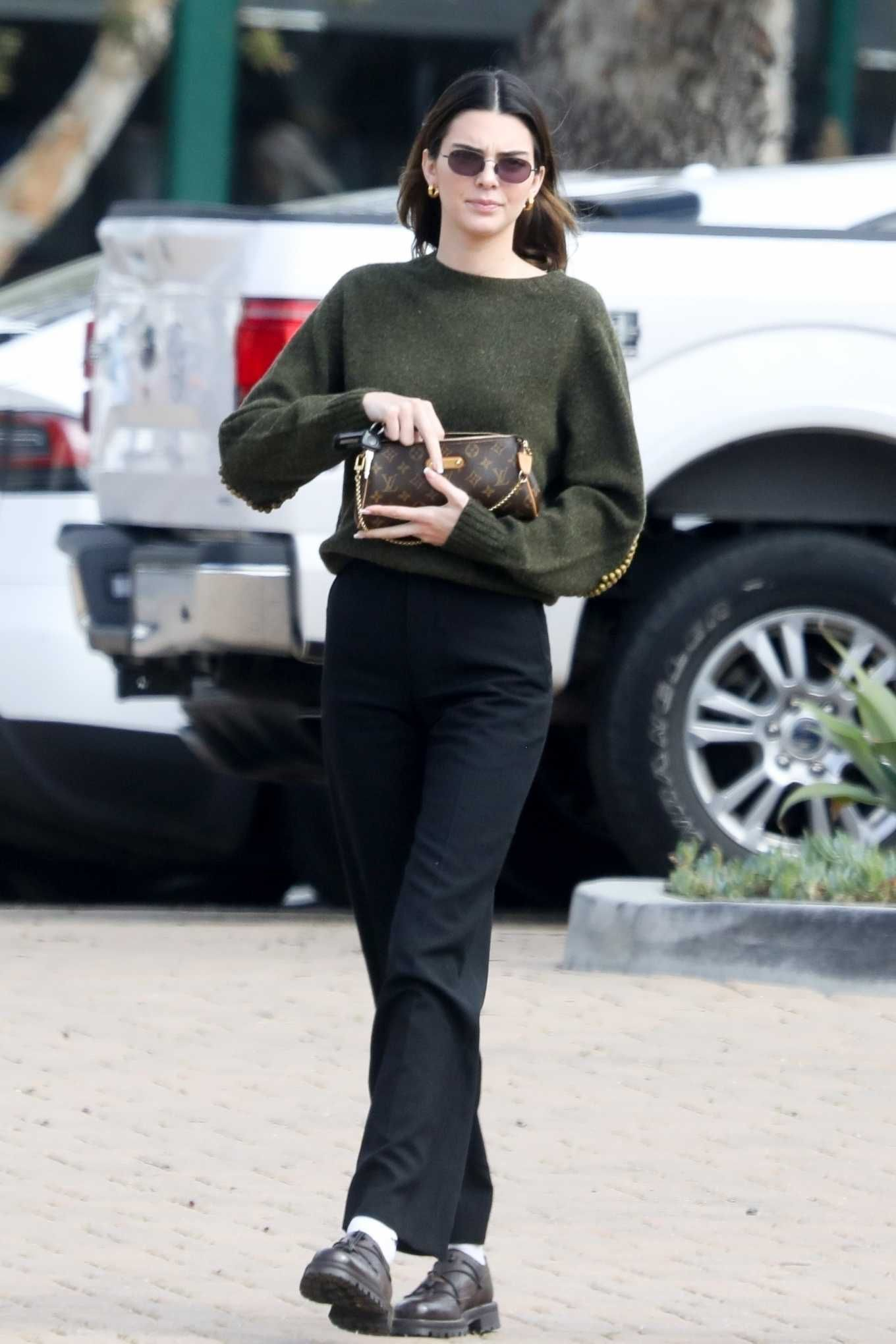 Kendall Jenner Black Leather Sneakers Street Style