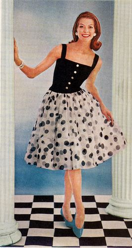 Ladies Home Journal May 1960 You Can Never Go Wrong With Polka Dots Vintage Fashion 1960s Fashion Vintage Fashion