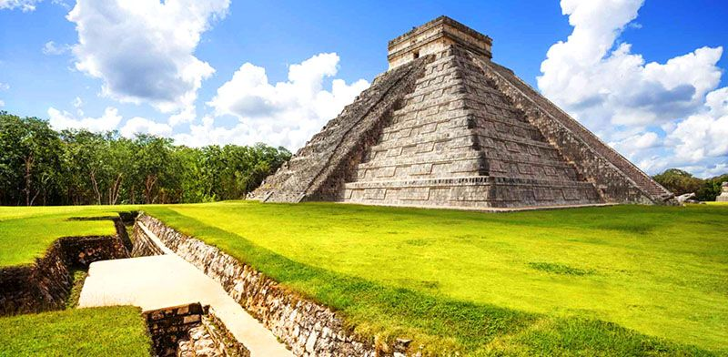 chichen itza piramide templo de kukulcn mexico paisajes de mexico pinterest maya