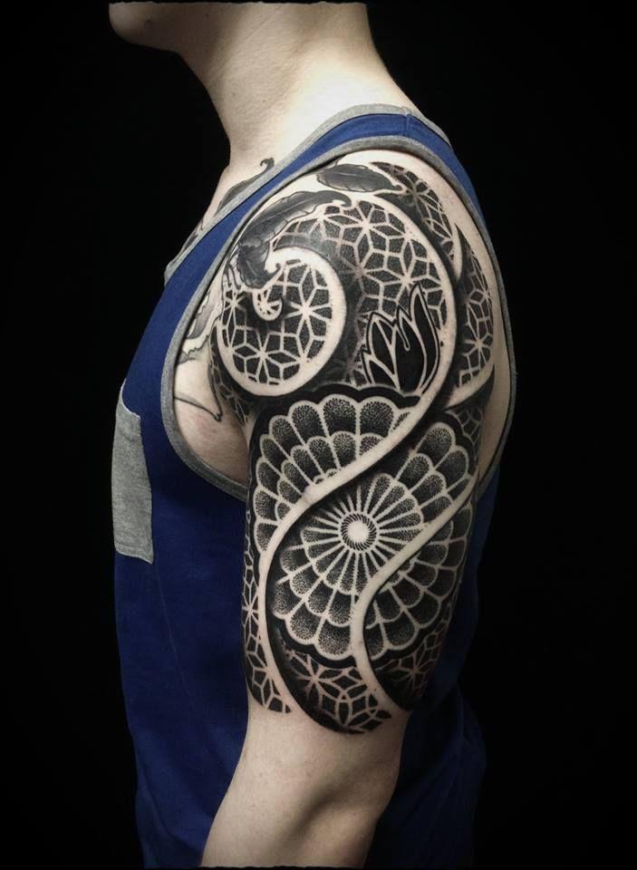 ivan hack dotwork in moscow city trisquel pinterest tatuajes ideas de tatuajes y. Black Bedroom Furniture Sets. Home Design Ideas
