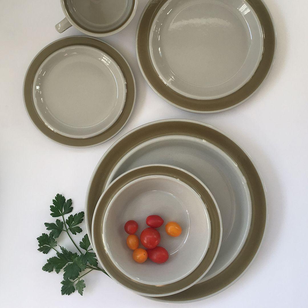 Scandinavian Dinnerware Set Arabia Made In Finland Scandinavian Dinnerware Sets Scandinavian Dinnerware Dinnerware Set