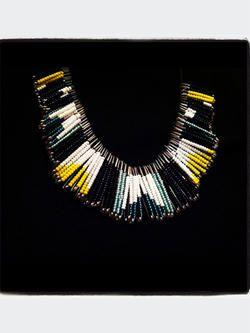 collier plastron pingles nourrice bijoux collier. Black Bedroom Furniture Sets. Home Design Ideas