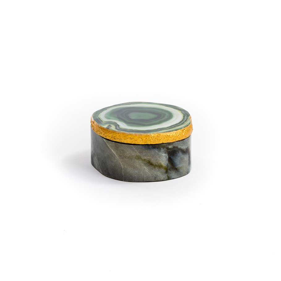 Green Agate Box.  This fantastic agate trinket box is perfect for storing special memories and keepsakes as well as being a great alternative to a jewellery box. With its stunning thick green lid with gold trim it would make a beautiful addition to any living space as well as a lovely gift idea