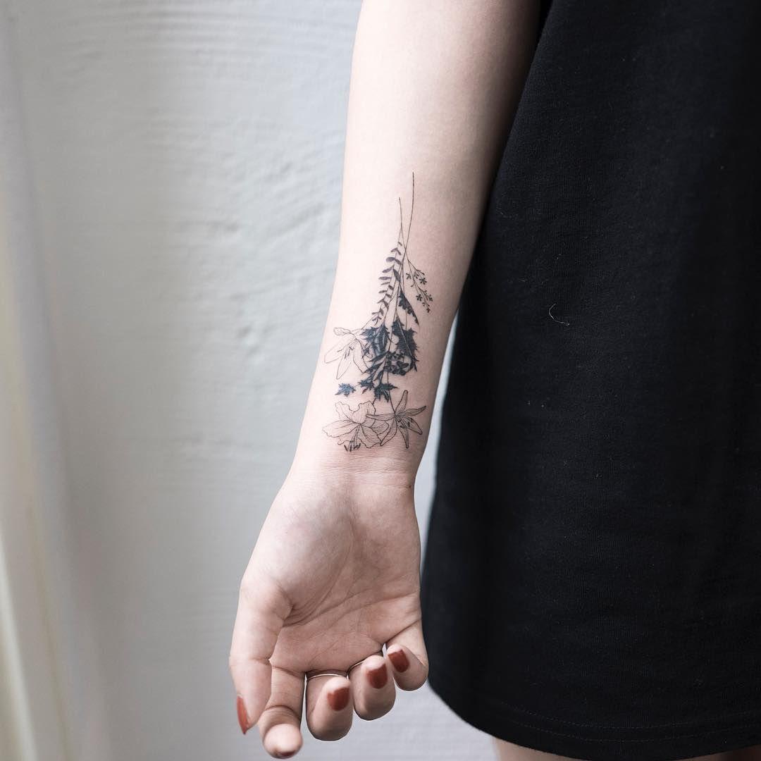 Floral Bouquet Back Tattoo: Flower Bouquet. #tattoo