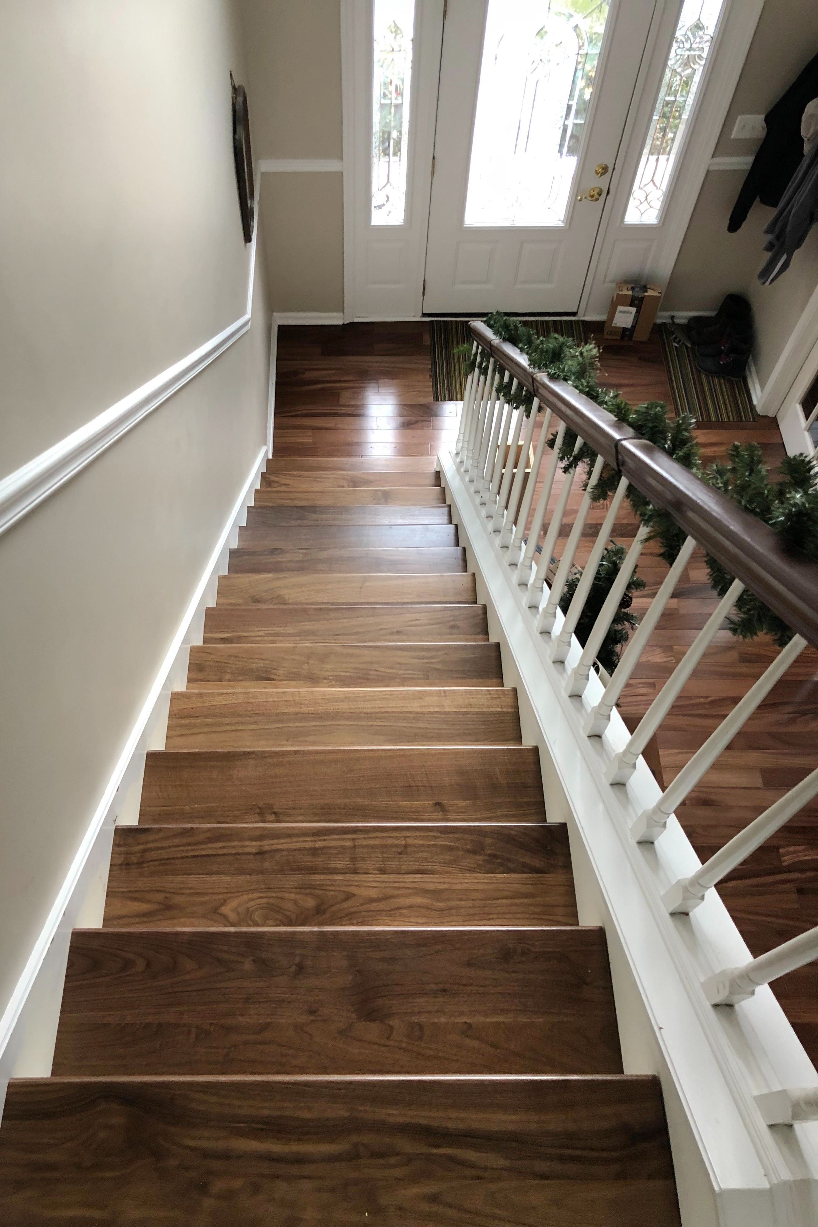 Best Clear Walnut Stair Tread In 2020 With Images Stair 400 x 300
