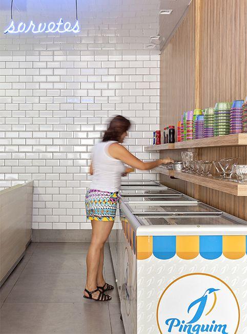 Sorveteria Pimguim | Isabela Bethônico Arquitetura. Itabira - MG / IceCream / Hot / Verão / Colors / Tradicional