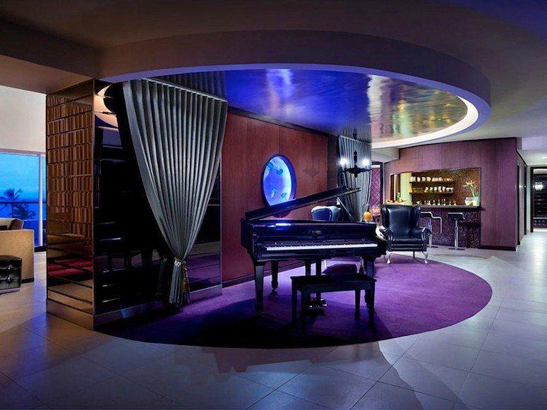 Themed Hotel Suites that Put Regular Rooms to Shame Hotel punta - hotel appartements luxuriose einrichtung hard rock hotel las vegas