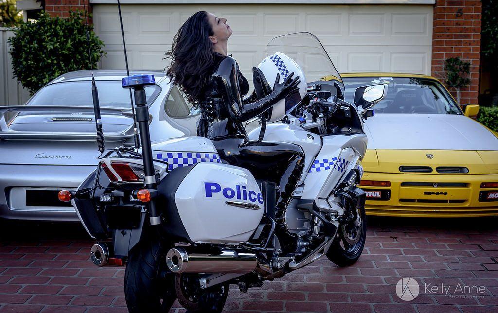 https://flic.kr/p/G8Mn85 | STUNNING Sydney Dominatrix Miss Miranda Pain