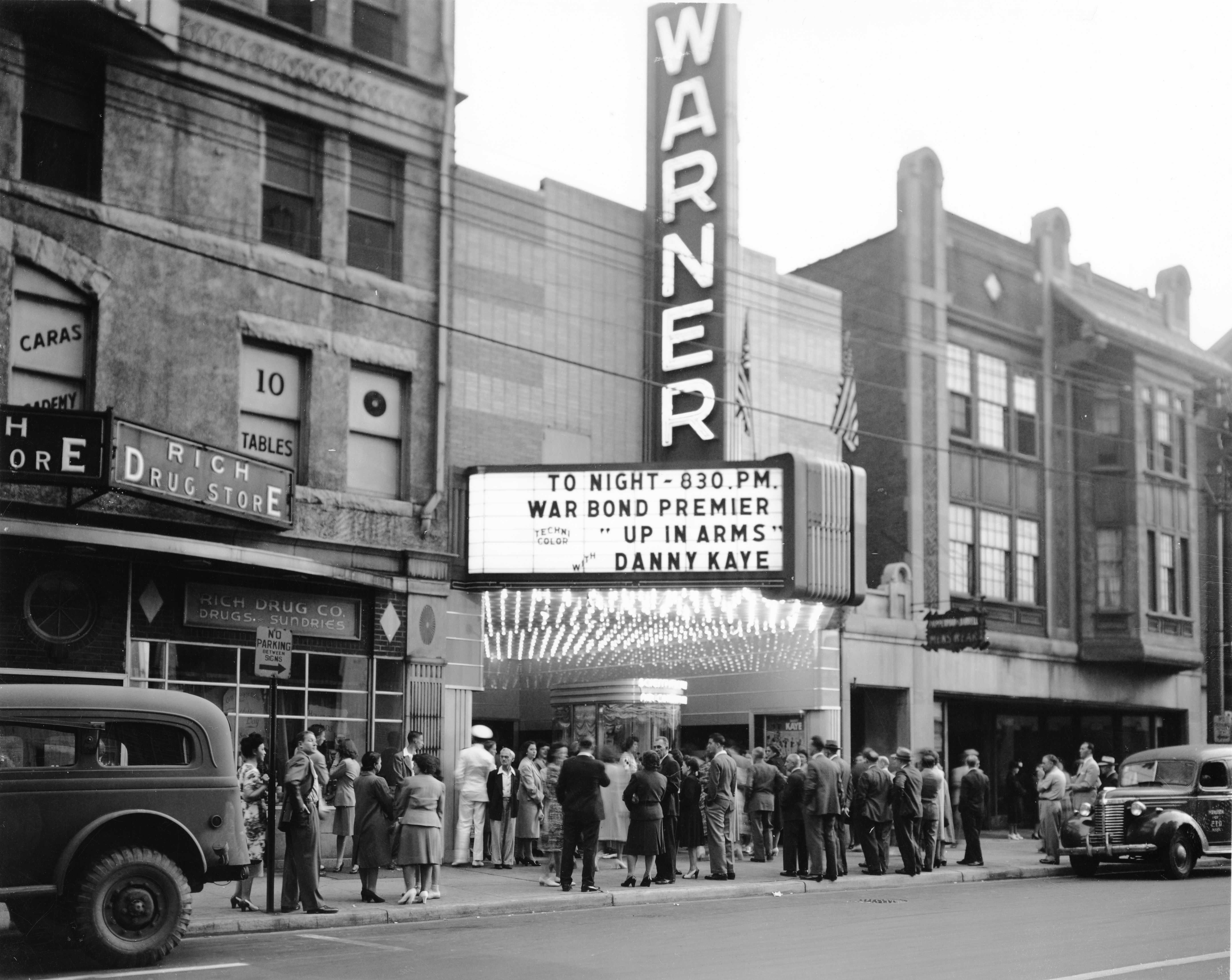 June 1944 War Bond Movie Premier At The Warner Theater On Delaware Avenue Wilmington Delaware 1325 003 206 1664p Wilmington Delaware Wilmington Delaware