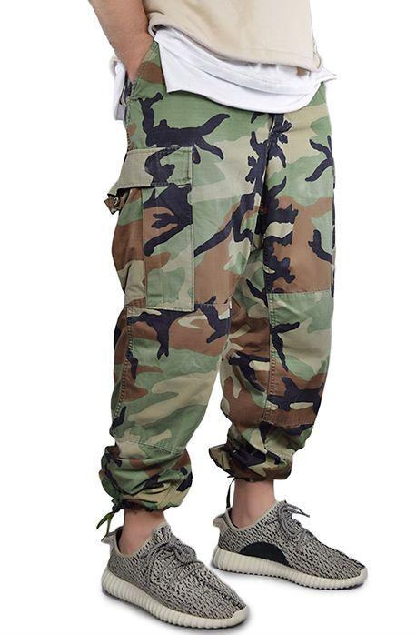 8e64dd37e9 enslaved The Vintage Camo Cinch Leg Cargo Pants in Camo