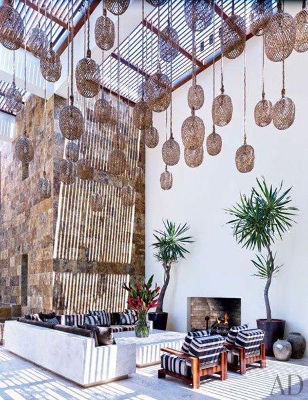 moderne terrasse gestalten prächtige pendelleuchte sitzecke kamin - moderne luxus kamine
