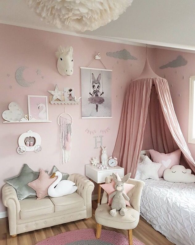 the most luxury kids furniture to create a unique and trendy bedroom for your girl