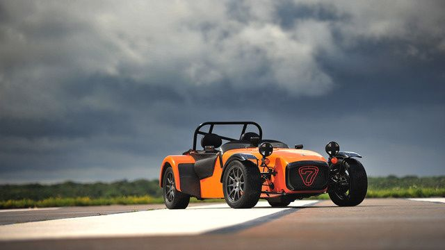Your Ridiculously Cool Caterham 7 Wallpaper Is Here
