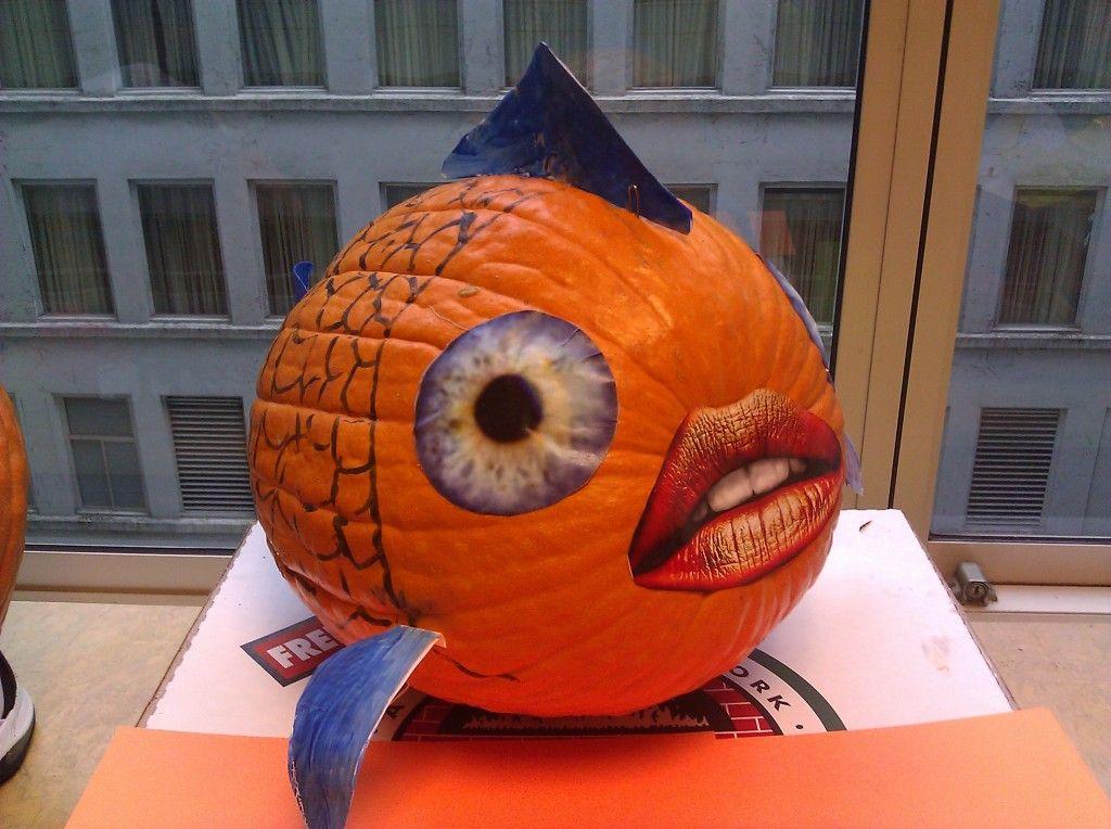 """""""Puffer Fish Pumpkin"""" Green Thumb Halloween pumpkins"""