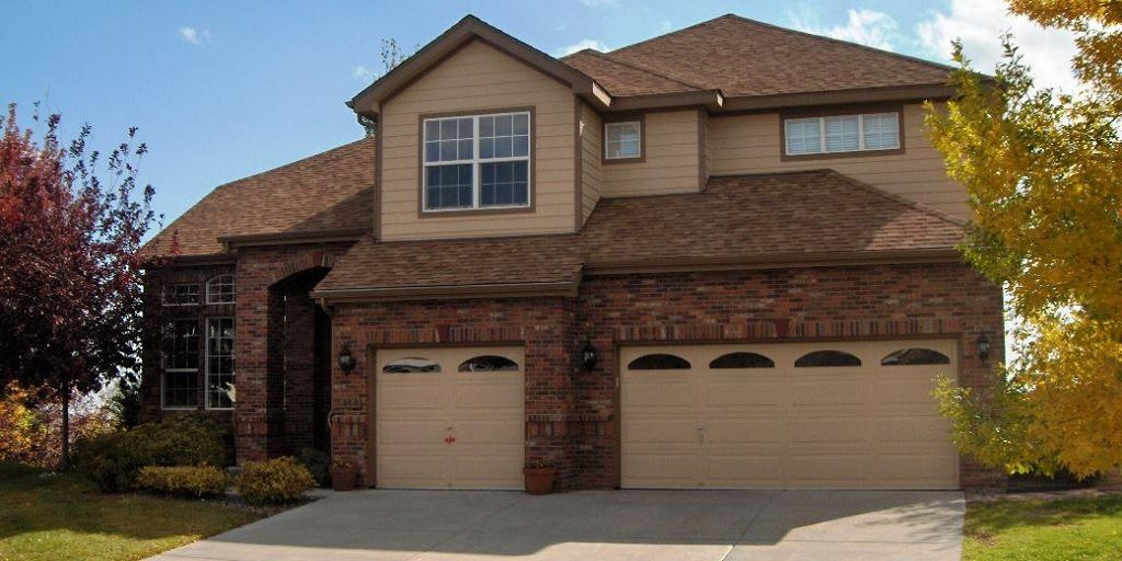 Exterior Color With Brown Brick