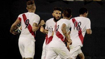 Perú vs Paraguay. P. Guerrero será la pesadilla guarani. Nov 18, 2014.